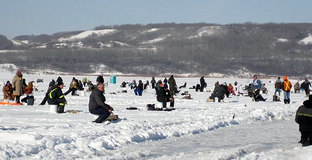 PIX DELETE ICE FISHING